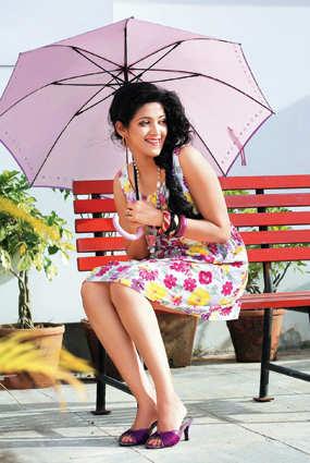 singer amrita suresh: Abhirami Suresh to debut in tinsel