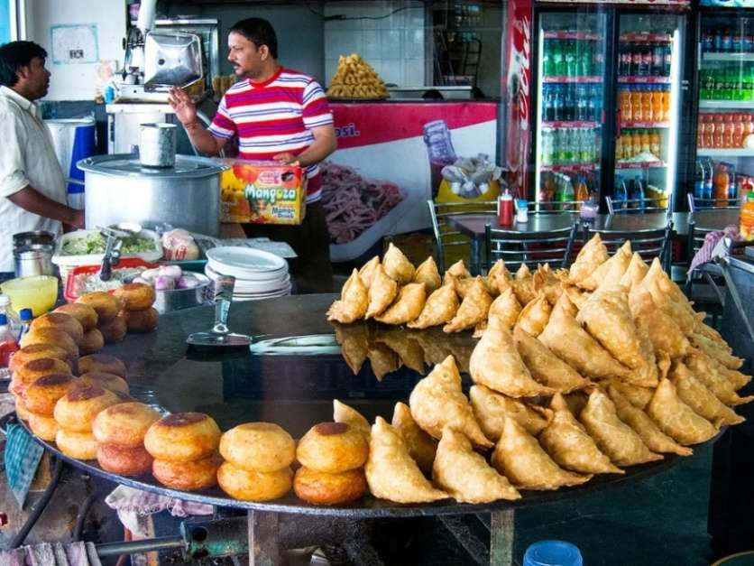 Samosas from Munni Lal Halwai