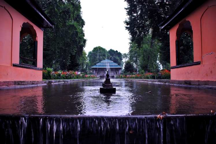 3 Mughal Gardens you can't miss in Srinagar