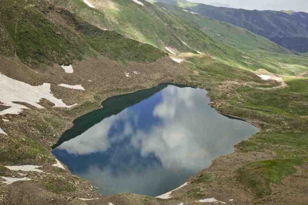 Al Pather Lake In Gulmarg Times Of India Travel