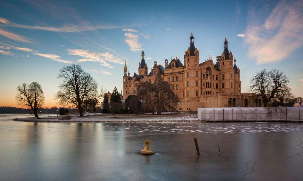 15 European real-life castles for history buffs