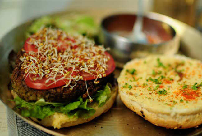 8 all-vegetarian restaurants in Mumbai that will even tempt carnivores