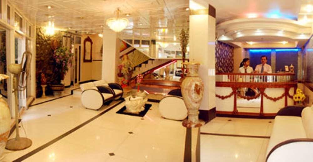 Heera Holiday Inn