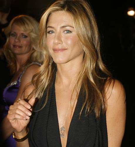 Aniston tops 'Dream Thanksgiving Guests' poll | English Movie News - Times  of India