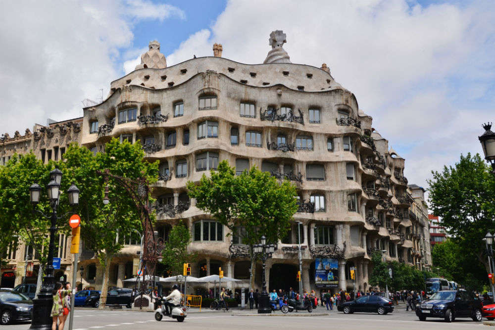 Casa Milà: the modernist building in Barcelona