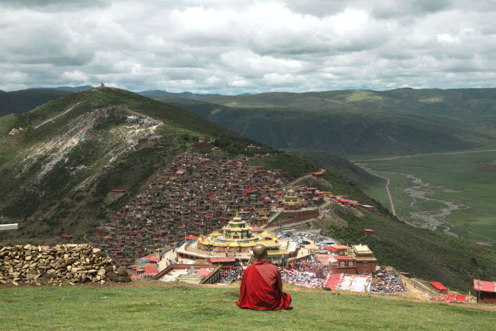 The renowned Larung Gar Buddhist Academy of Sertar