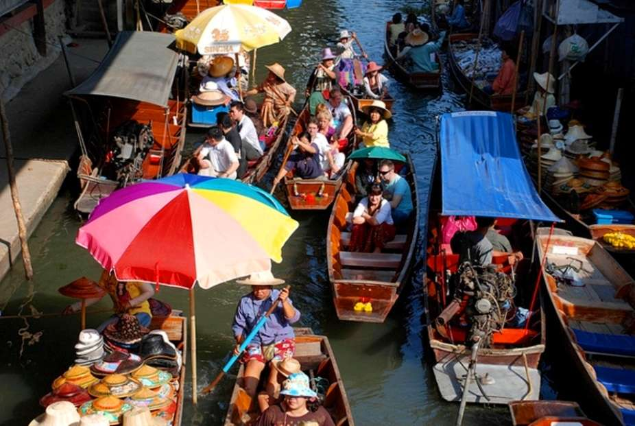 The world's most stunning floating markets
