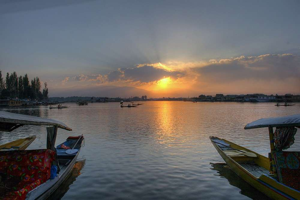 24 hours in Srinagar
