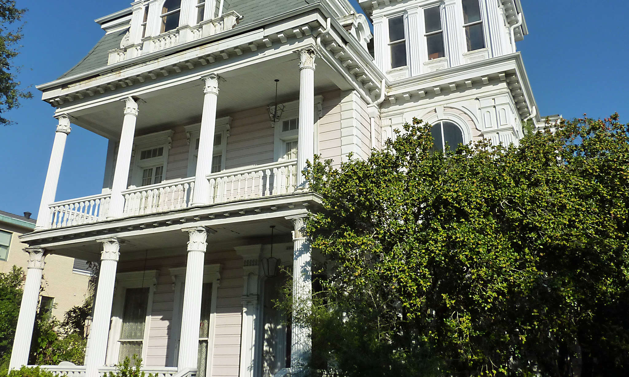 Architecture tours in the Garden District