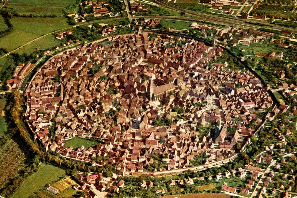 Nordlingen, the town inside a meteorite crater