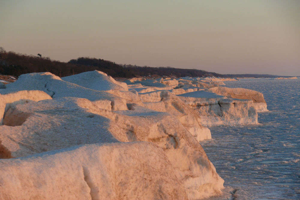 Ice volcanoes of the Great Lakes