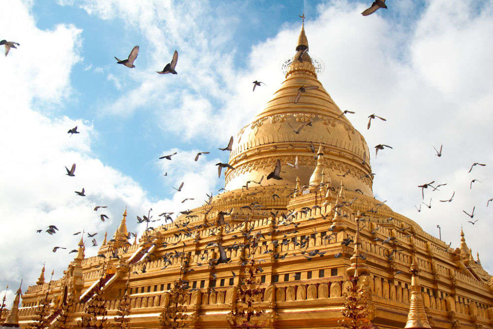 The many thousand temples of Bagan