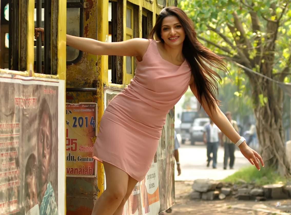 Tanusree Chakraborty sexy legs Height, Weight, Age, Body Measurement, Wedding, Bra Size, Husband, DOB, instagram, facebook, twitter, wiki