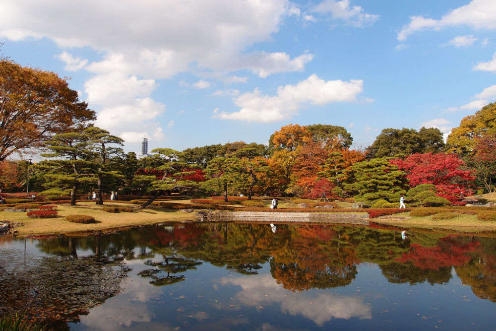 Admire the Imperial Palace and East Garden