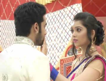 Veera wears a saree for Baldev in 'Ek Veer Ki Ardas Veera'
