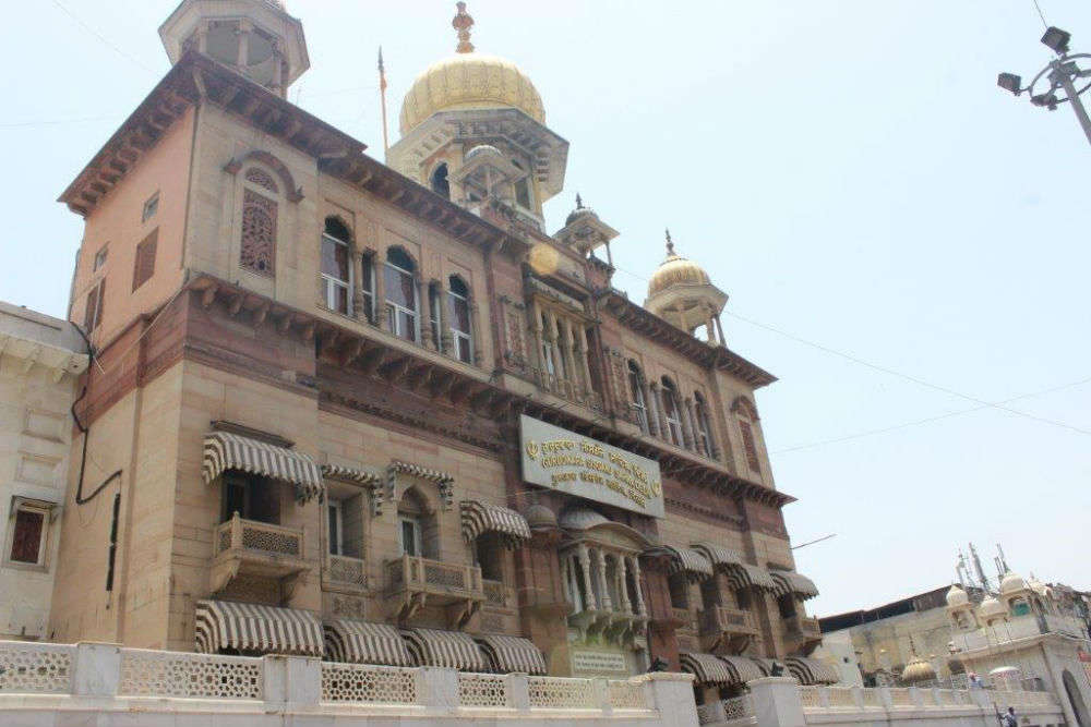 Gurudwara Sis Ganj - Delhi: Get the Detail of Gurudwara Sis Ganj on Times  of India Travel