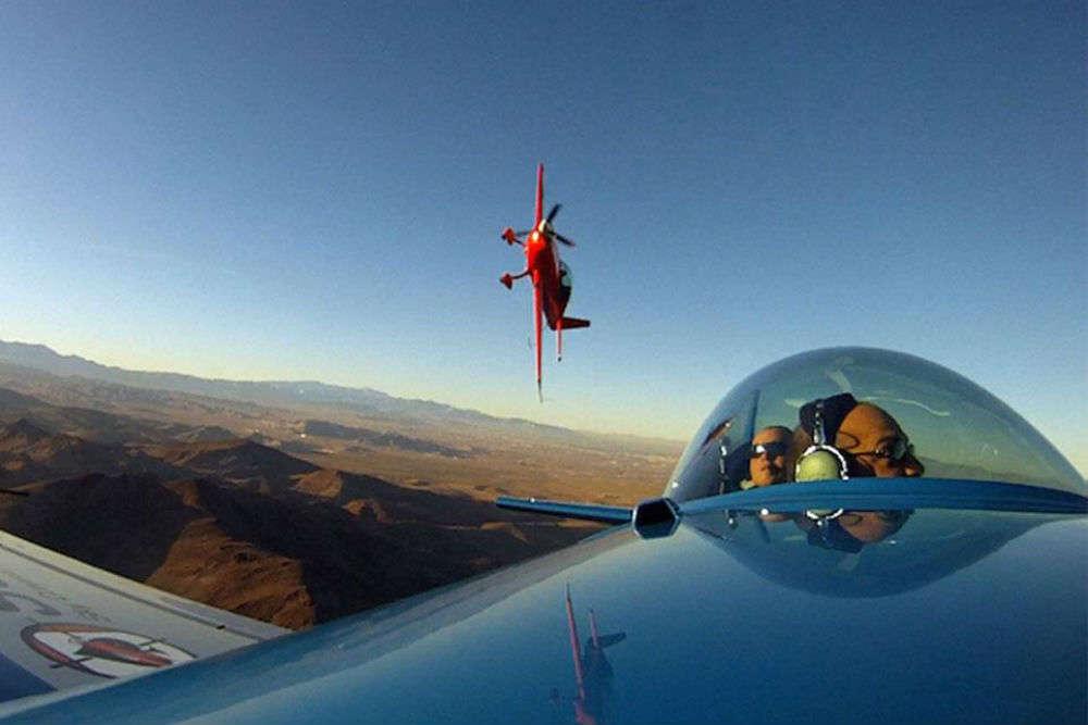Pilot an aerobatic plane