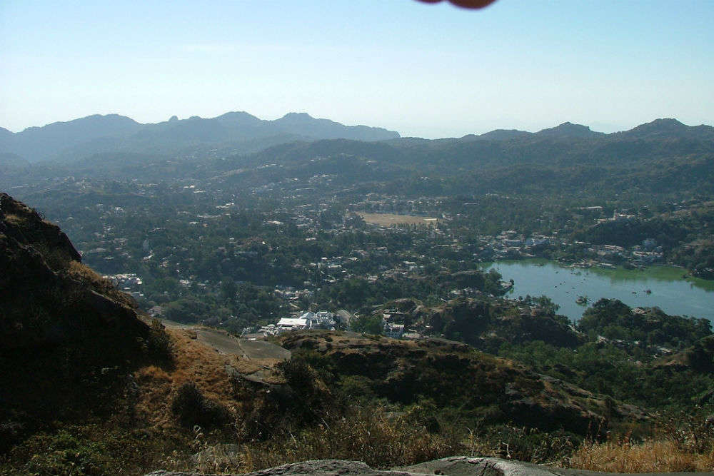 How to reach Mount Abu