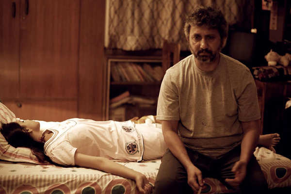 Talvar Movie Review {4.5/5}: Critic Review of Talvar by Times of India