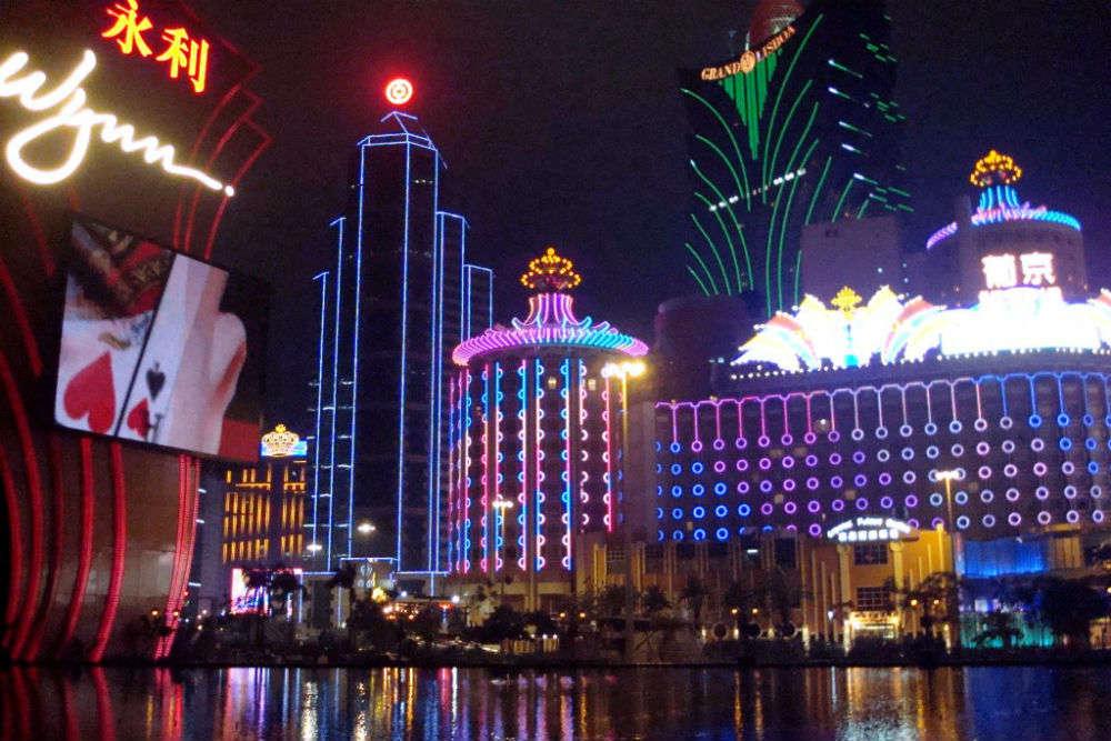 Go casino hopping