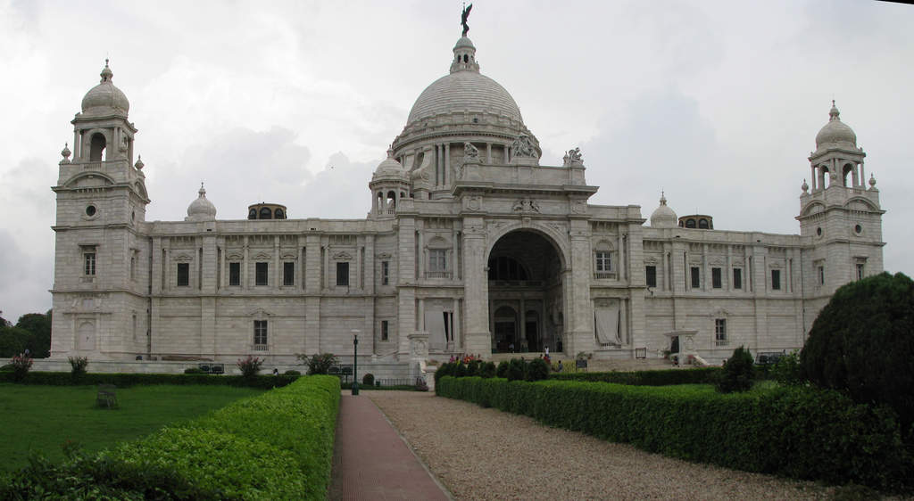 How to reach Kolkata