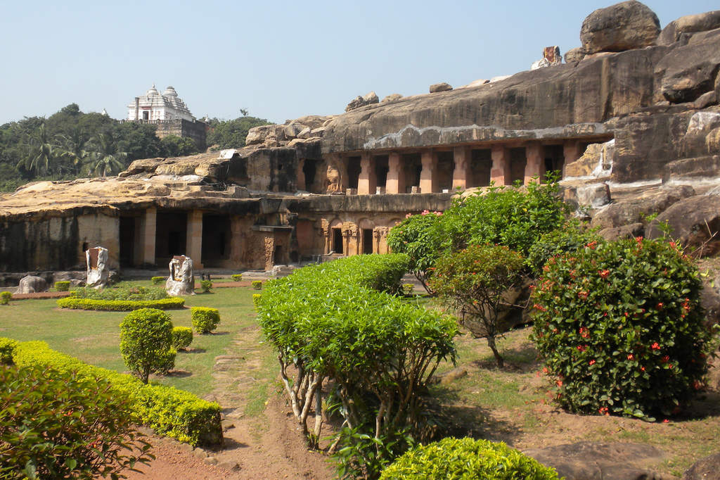 How to reach Bhubaneshwar