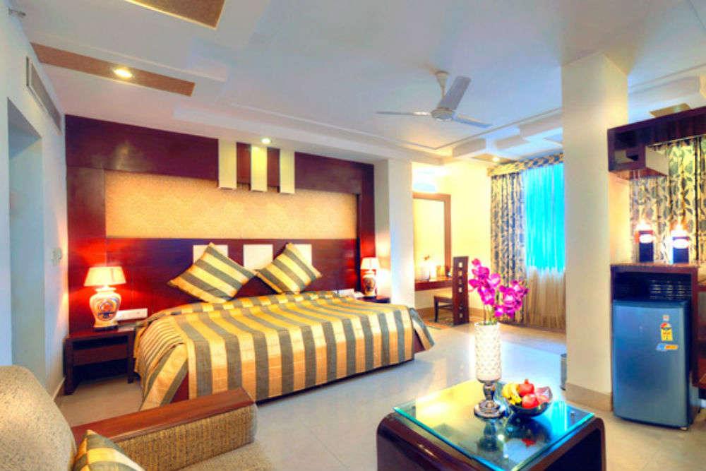 Mid-range hotels in Agra