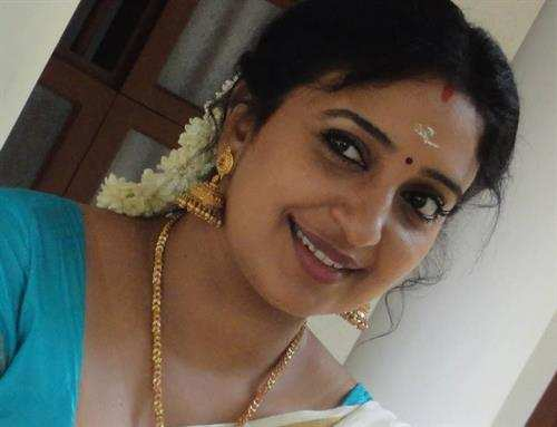 Smart indian pune aunty hj to hubby showing her nudely - 4 4