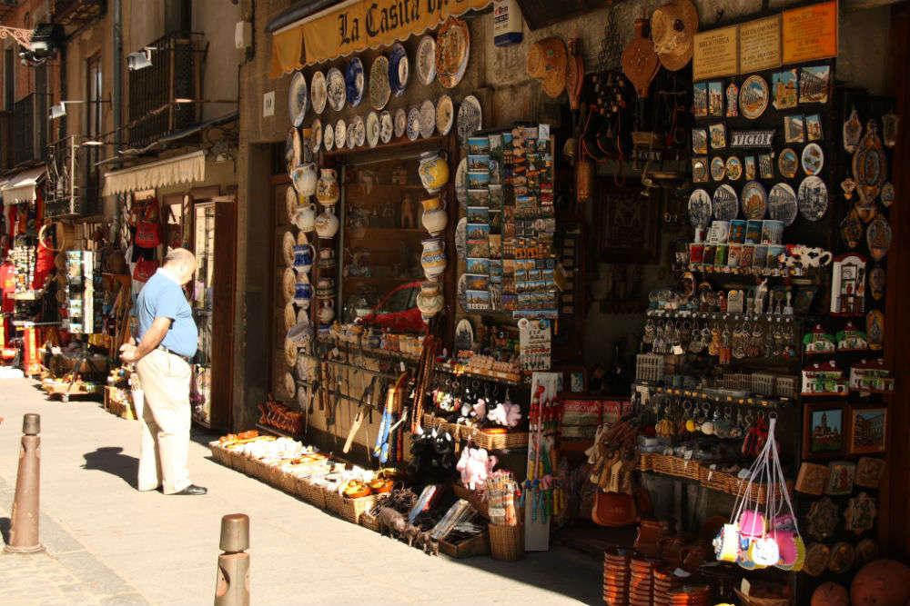 Shop for Segovian ceramics
