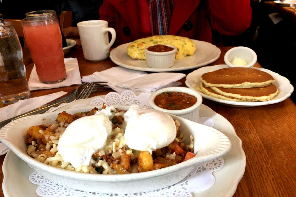 Iconic breakfast places in Chicago