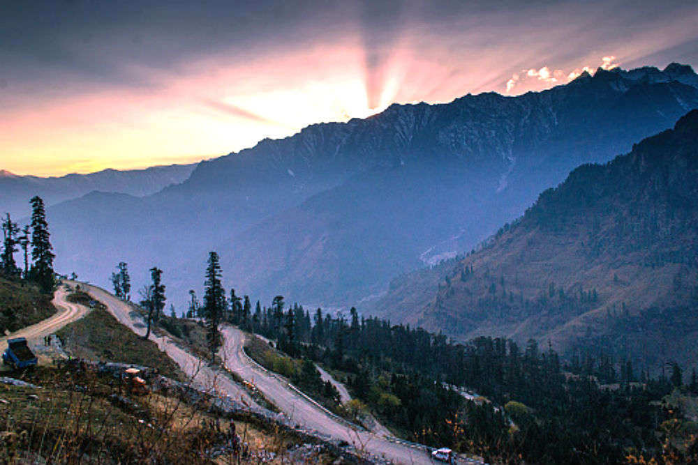 Delhi Manali Leh bus service—the coolest bus ride you can ever take