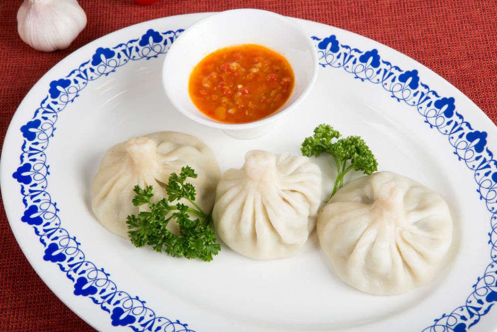 Eat dumplings with Yanjing beer