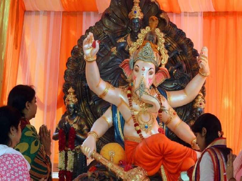 Ganesh Chaturthi 2016 Devotees offer prayers