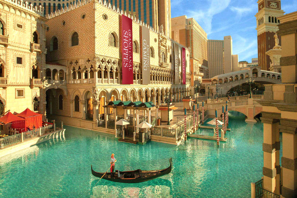 Top attractions in Vegas that guarantee surreal experience
