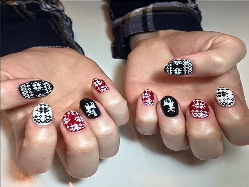 Nail art for christmas time times of india prinsesfo Gallery