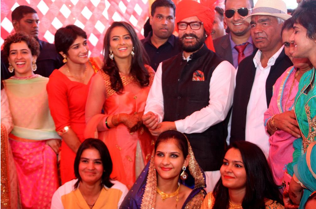 Geeta Phogat Wedding Actor Aamir Khan Attends Wrestler S