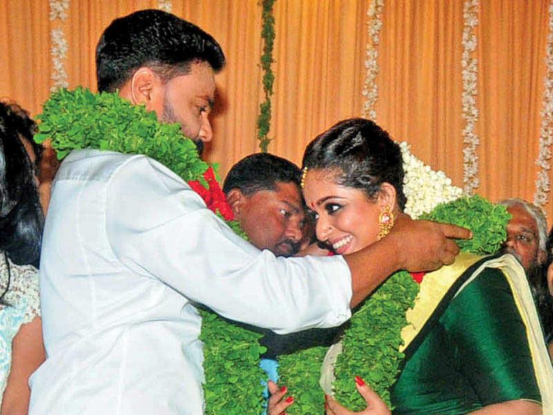Manju Warrier Dileep's Reason To Marry Kavya Reeks Of Male Adorable Sad Quarters Malayalam