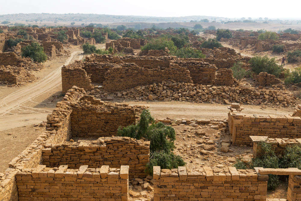 Lonely India: villages, forts, cities left abandoned and unmanned