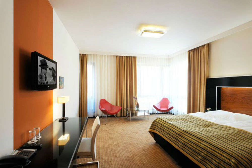 Prague hotels at surprisingly low tariffs: the best of budget stays