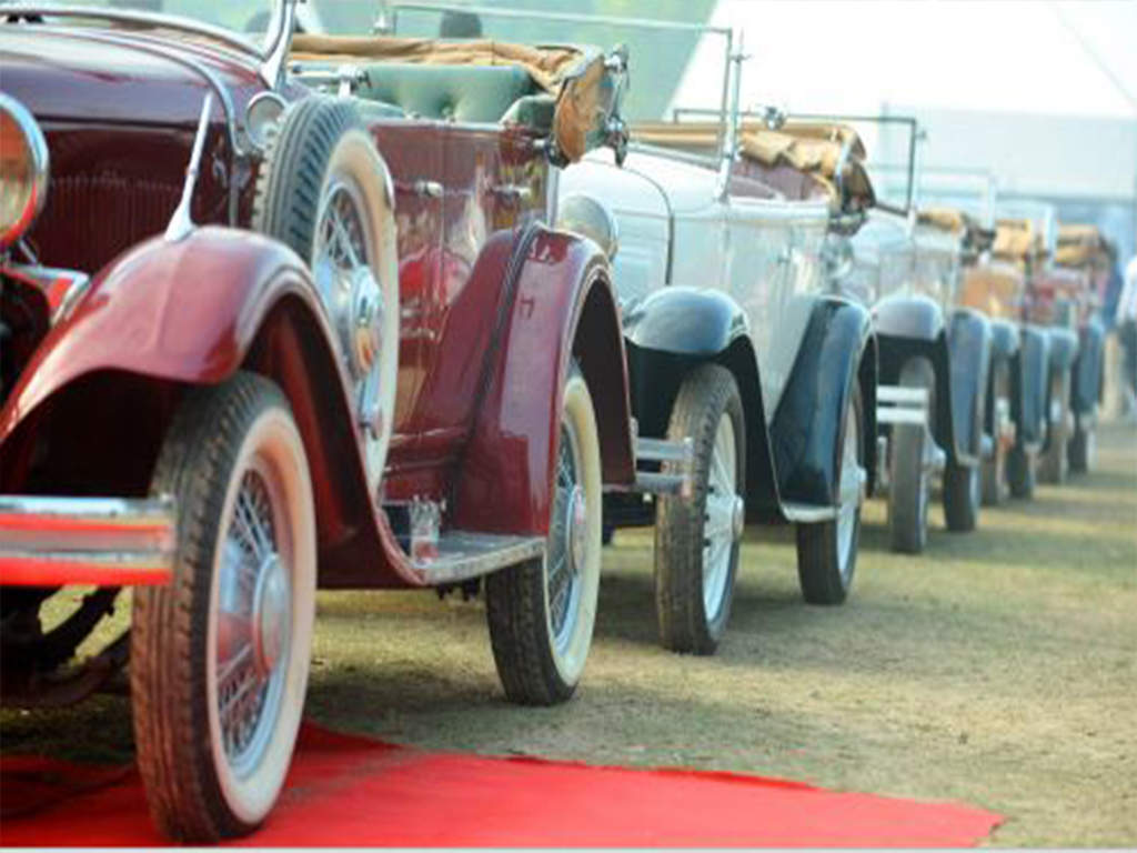 Timeless: Vintage cars recreate old-day charm | Delhi News - Times ...