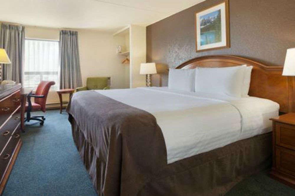 Travelodge Hotel Calgary Macleod Trail