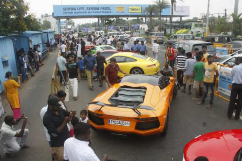 East Coast Road Chennai Police Impound Sports Cars For Racing - Sports cars vs police