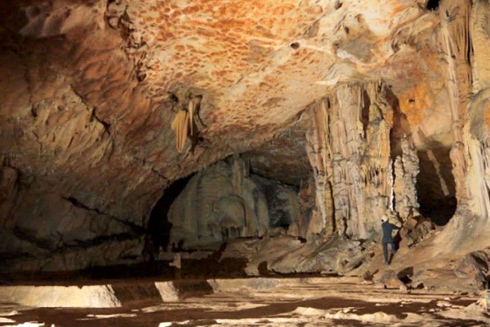 Krem Mawmluh – visit the fourth longest cave in the Indian subcontinent