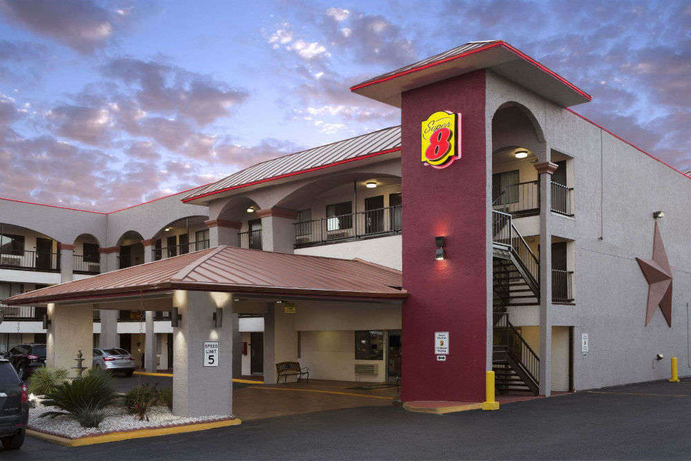 Hotels in Austin that promise optimum comfort to travellers at a budget