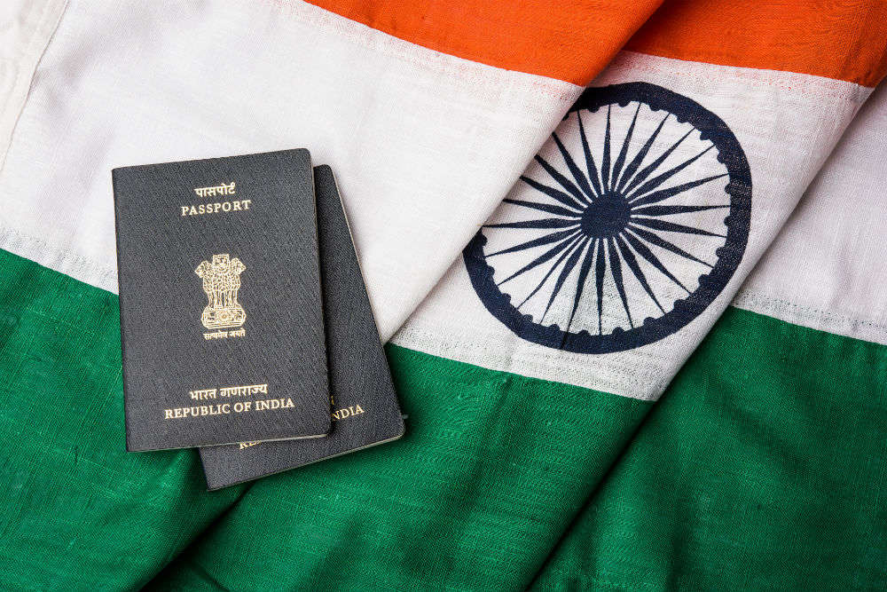 Apply for passports online now in Hindi!