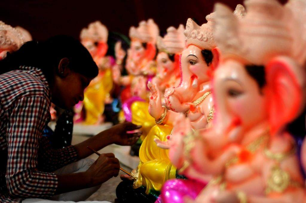 Sculptors colour their way to Ganesh Chaturthi