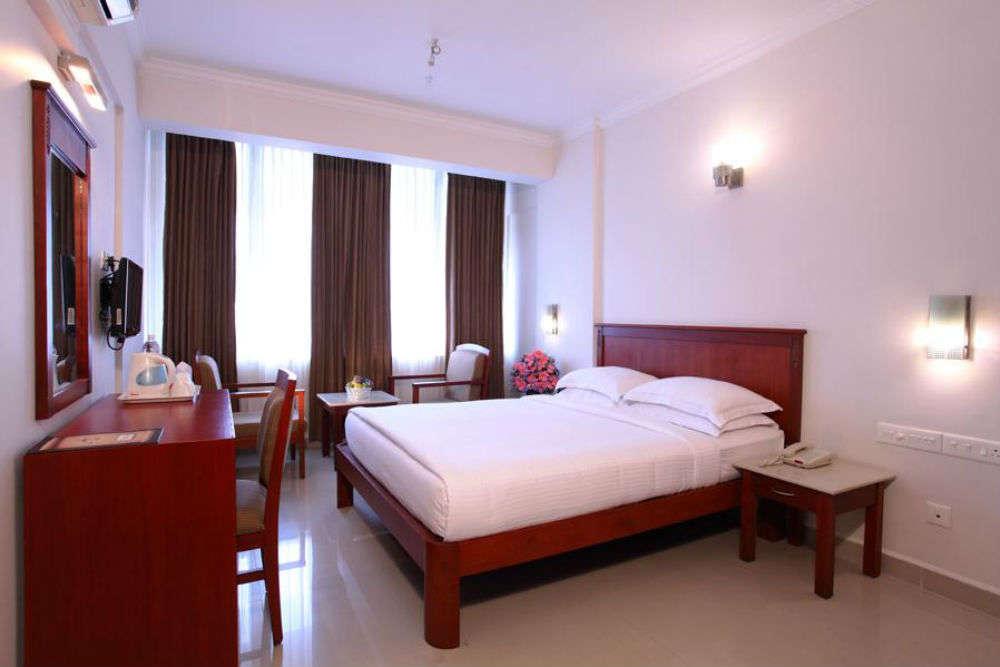 Hotel Pooram International