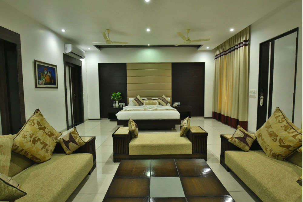 Hotels in Jhansi for a comfortable stay