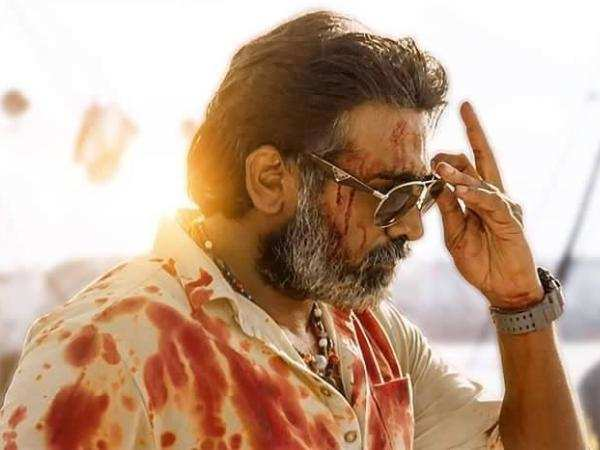 Vikram Vedha Review {3.5/5}: A playful action film with more intrigue and  less intensity