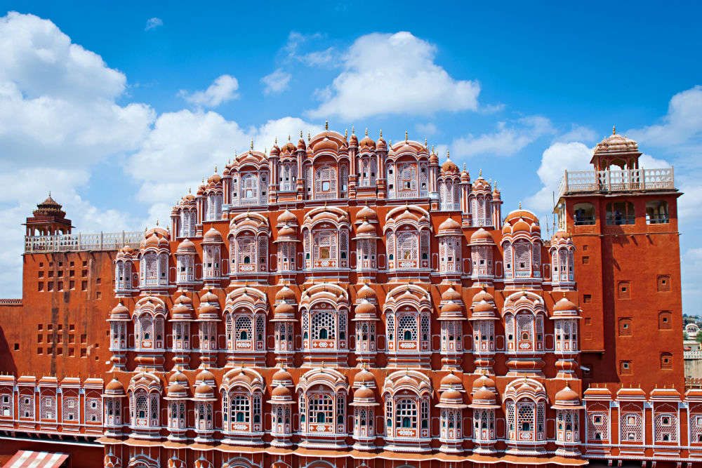 A walk through prominent historical monuments of India